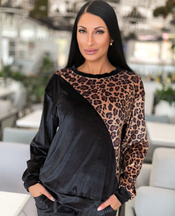 Kristina Great (van gils) - Sports suit female Leopard 902  back