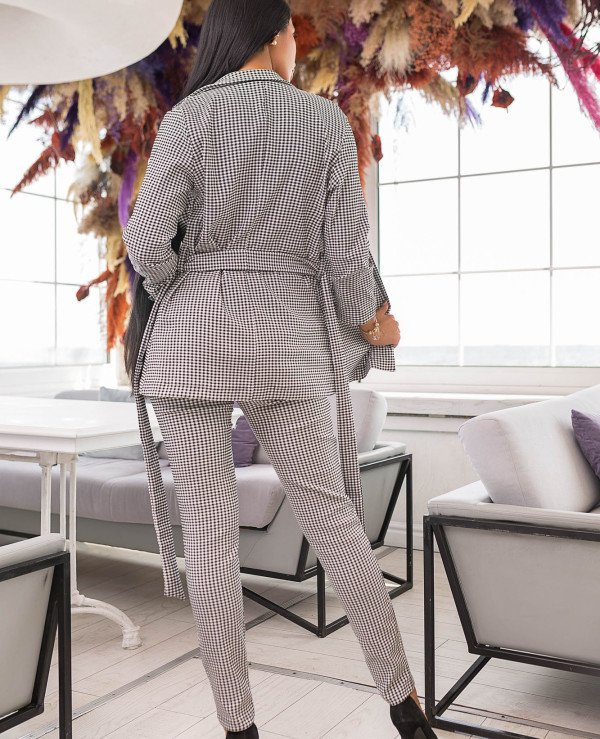 Kristina Great (van gils) - Trouser suit female classical 880  back