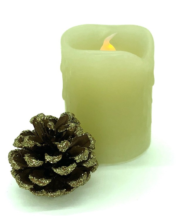 "LED candle with a flame effect - Natural wax candle ""Warm light"" with a battery (5x5x6,5cm)  Beige back"